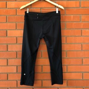 LULULEMON Black Crop Leggings Size 8